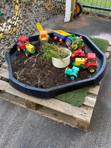 Farming Tuff Tray